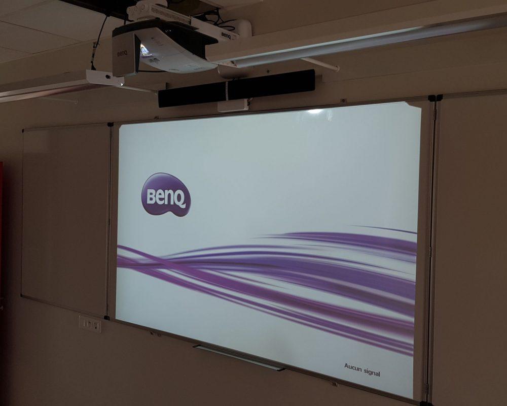 Vidéoprojecteur interactif en classe